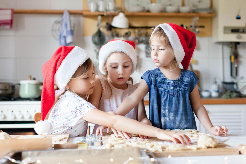 Für Weihnachten und Adventszeit gibt es viele Aktivitäten und Projekte für Kinder im Kindergarten.