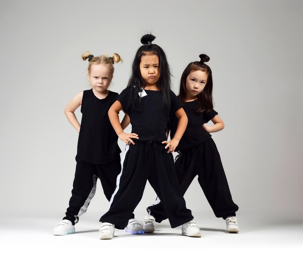 Bewegungssicherheit Kita-Kinder trainieren, fördern, aktivieren, Tanzspiele, Bewegungsspiele