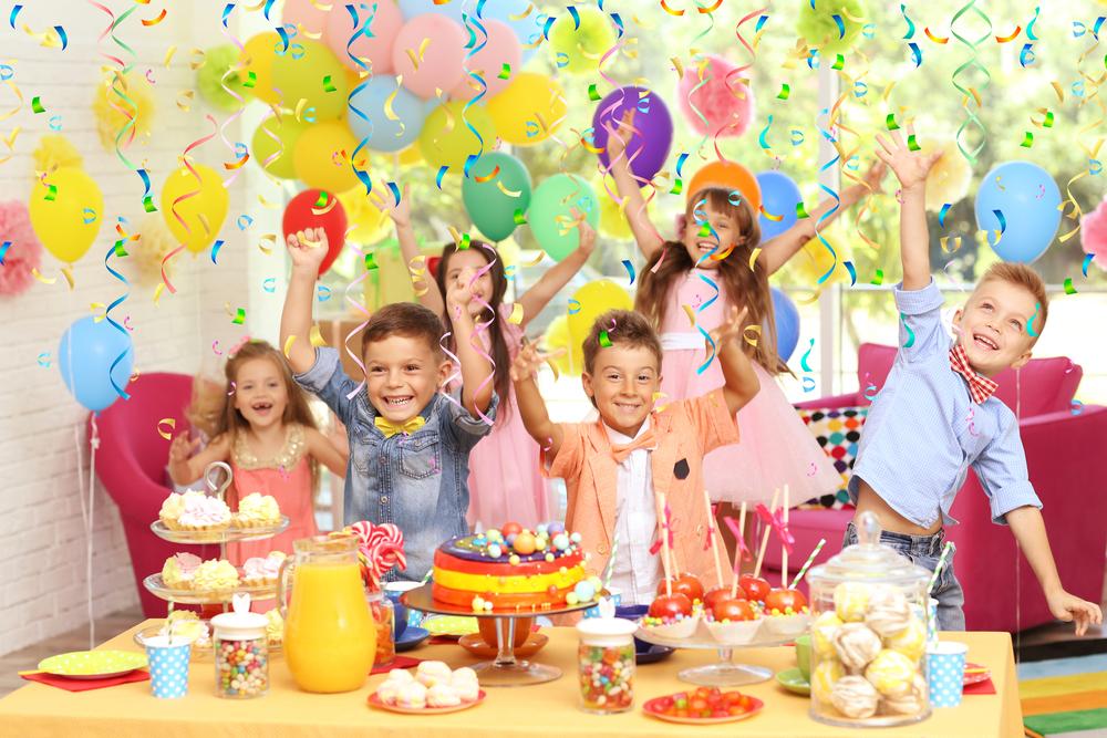 Geburtstagsfest im Kindergarten feiern, Geburtstag mit Kindern in der Kita feiern