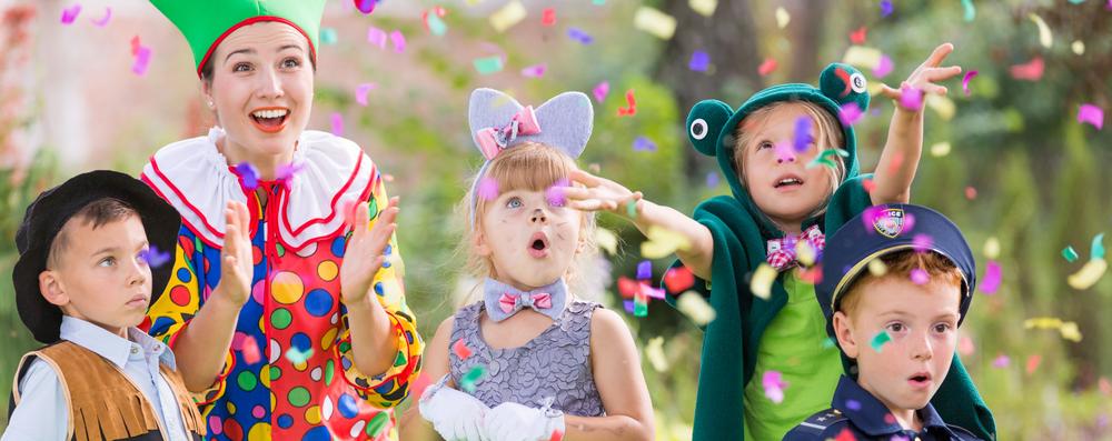 Kinder schlüpfen gerne in verschiedene Charaktere und lieben es sich zu verkleiden - besonders zum Fasching, Karenval