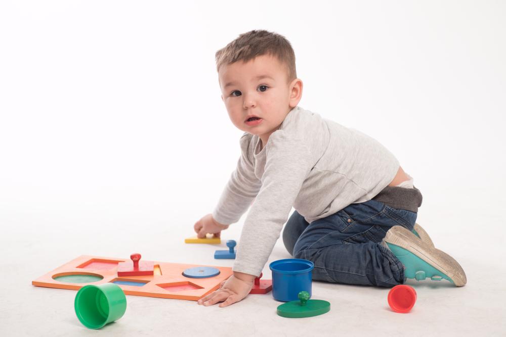 Figuren, Formen und Farben für ein mathematisches Grundverständnis bei Kindern