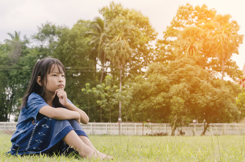 Kinder können nicht direkt über ihre Selbstwertgefühle und Identität reden.
