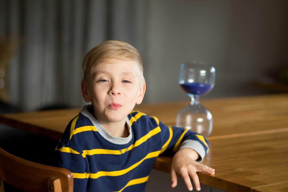 Basteln mit Plastikflaschen, Sanduhren aus Plastikflaschen, Sanduhr basteln mit Kindern